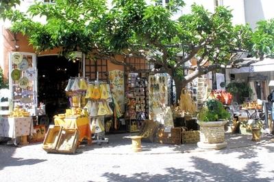 Village m dieval surplombant les vignobles de bandol - Les plus beau village du var ...
